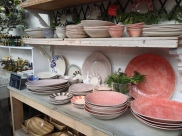 Pretty dinnerware color palette